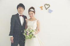 *前撮り* #前撮り は#結婚式 当日にしない#ヘアアレンジ と着ないタイプの#ドレス にしました⌄̈⃝♪ ・ #ワタベウェディング #スタジオ撮影 #新宿…