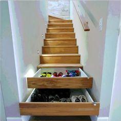 Idée de stockage dans l'escalier ~ Décor de Maison / Décoration Chambre