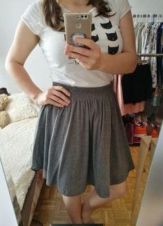 Kup mój przedmiot na #vintedpl http://www.vinted.pl/damska-odziez/spodnice/18149591-szara-dresowa-spodniczka-na-gumie-hm-z-asymetrycznymi-bokami