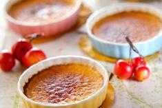クレームブリュレ Delicious Desserts, Dessert Recipes, Little Kitchen, Yummy Cakes, Tart, Panna Cotta, Food And Drink, Pudding, Sweets