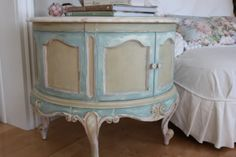Chalk Paint in four colors. Duck Egg, Antoinette, Country Grey, and Old White