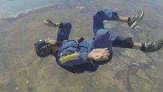Dos paracaidistas mueren en salto conjunto cuando su paracaídas no se abrió | Radio Panamericana