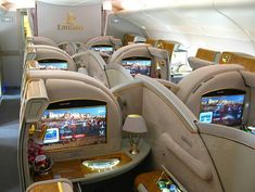 Avião Emirates