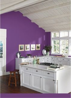 Make an eye-catching and bold statement in your kitchen with Gutsy Grape (SW 6980).