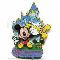 disney pin trading! http://mousetalestravel.com/aimee-best-quote-form/