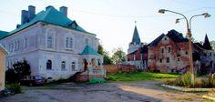 Maison des Diacres à gauche - Monastère Fiodorovsky - Pouchkine - Construit de 1913 à 1918 par l'architecte Stepan Krichinsky.