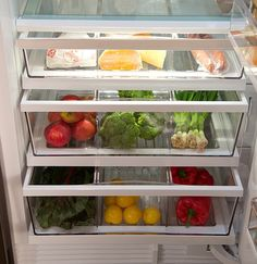 Fridge Organizing Tips from a Pro is part of Refrigerator Organization Vegan - Fridge organizing tips from a pro How to store, where to place each type of food and some great organizing tips in this post! Organisation Hacks, Organizing Tips, Vegetable Drawer, Vegetable Storage, Refrigerator Organization, Kitchen Organization, Organized Kitchen, Office Refrigerator, Organized Office