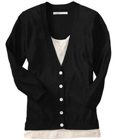 "Simple black cardigan: a reliable piece for your business casual wardrobe. ""Just ask Michelle Obama: cardigans are elegant, versatile and go with anything. V Neck Cardigan, Black Cardigan, Interview Attire, Topshop Style, Professional Wardrobe, Dress For Success, Michelle Obama, Cute Tops, Cardigans For Women"