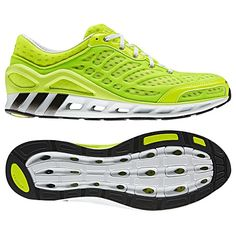 These breezy adidas CC Seduction men's running shoes feature 360 degrees of CLIMACOOL® ventilation plus rugged, lightweight cushioning.