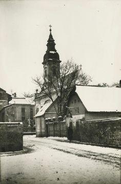 A Szerb templom-A szegedi Szent Miklós-templom a Dóm tér rendezése előtt – Lechner Tudásközpont, Dokumentációs Központ Fotótár, VÁTI