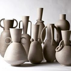 This gang, waiting to be fired. Ceramic Studio, Ceramic Clay, Ceramic Plates, Pottery Vase, Ceramic Pottery, Keramik Design, Sculptures Céramiques, Ceramics Projects, Paperclay