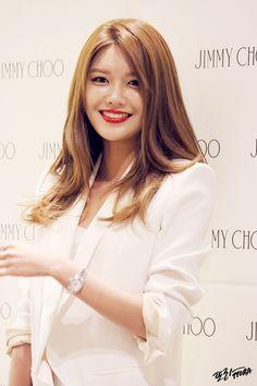 또 라 :: 150313 현대백화점 압구정본점 지미추(Jimmy Choo) 매장 방문 소녀시대 수영 직찍