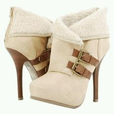 Uggs like high heel boots - Style - Outfits - Woman's Clothes - Woman's Fashion - Female Fashion - Wardrobe - Female Style - Woman's Style - Casual Outfit - Office Attire - Woman's Attire - Feng Shui Your Home Ankle Boots, High Heel Boots, Heeled Boots, Bootie Boots, Shoe Boots, High Heels, Ugg Boots, Suede Booties, Dream Shoes