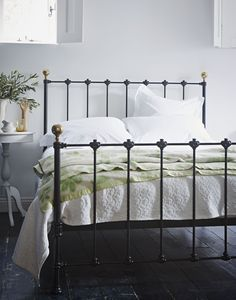 The Cornish Bed Company Billy bedstead. Keeping brass decoration to a minimum, the Billy bedstead is an unimposing straight-forward traditional but equally modern looking bedstead, with a choice of 12 colours. Cast Iron Bed Frame, Cast Iron Beds, Antique Iron Beds, Bed Company, Four Poster Bed, Metal Beds, Bed Styling, Kid Beds, Comforter Sets