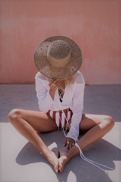 Swimsuits For Women 2019 : Maillot de bain : Radiance Top – Tops by Sabo Skirt Summer Vacation Outfits, Vacation Style, Summer Vacations, Summer Travel, Travel Style, Beach Outfits, New York Sommer, Shooting Photo, Sabo Skirt