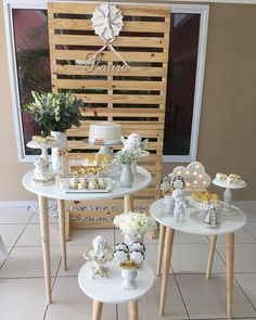La imagen puede contener: mesa e interior Baby Baptism, Baptism Party, Girl Baby Shower Decorations, Table Decorations, First Holy Communion Cake, Cactus Decor, Boho Baby Shower, Party Accessories, Interior Design Living Room