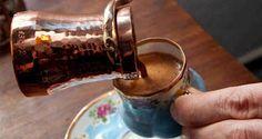 ¿Cómo preparar un magnifico café espumoso con una cafetera turca? #cafeturco #cafeteraturca #cafeoriental #caféturco