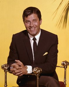 JL Hollywood Music, Hollywood Actor, Golden Age Of Hollywood, Classic Hollywood, Jerry Lewis, Lee Lewis, Actors Male, Actors & Actresses, Physical Comedy