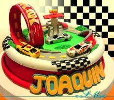 Resultado de imagen para tortas para niños en 3D,pistas de carreras