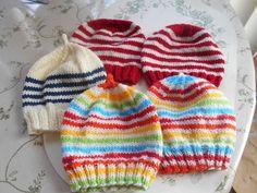 Here's some more hats Crochet Santa Hat, Knit Crochet, Motifs, Knitted Hats, Knitting, Fun, Prints, Fashion, Tricot