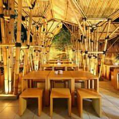 Completed in 2010 in Jakarta, Indonesia. The owner of this restaurant was dreamed of having an outdoor Japanese Noodle restaurant. Classic Restaurant, Luxury Restaurant, Restaurant Concept, American Restaurant, Restaurant Ideas, Bamboo Roof, Bamboo House, Japanese Restaurant Design, Restaurant Interior Design
