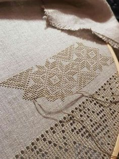 Randa handmade lace how it is made como se hace – Artofit Hardanger Embroidery, Learn Embroidery, Embroidery Fashion, Silk Ribbon Embroidery, Hand Embroidery Patterns, Embroidery Stitches, Diy Crafts Crochet, Swedish Weaving, Drawn Thread