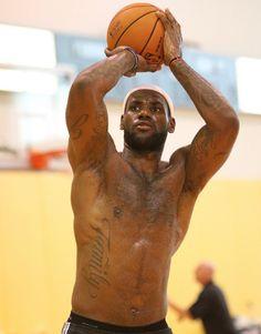 Just Anything Lebron James Body, Lebron James Miami Heat, King Lebron James, King James, Air Max Thea, Air Max 90, Nike Air Max, Love And Basketball, Basketball Players