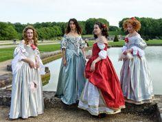 Temps d'élégance: 17th century costumes June 2014 (on the left) #JDS2014