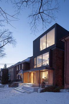 Spacious-Toronto-triplex-responds-rising-urban-density