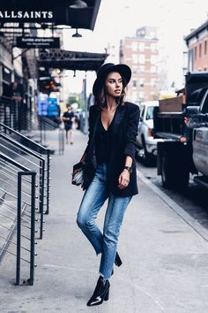 I was having lunch with a friend at Gracias Madre the other day, when she asked me how to I choose my NYFW outfits. After a prolonged s...