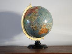 Vintage Bakelit Globus 50er Jahre // vintage globe from the 50s by RetroRaum via dawanda.com