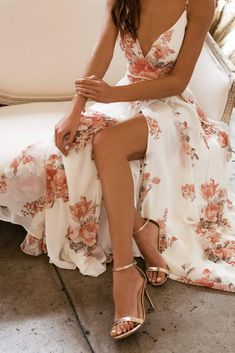 Spring formal dresses aren't easy to find, but with this guide featuring 20 example dresses, I hope you got some inspiration for your spring formal! Pretty Prom Dresses, Grad Dresses, Ball Dresses, Cute Dresses, Beautiful Dresses, Pale Pink Dresses, Party Dresses, Flowy Dresses, Pageant Dresses