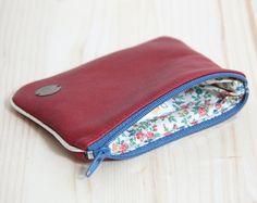 Porte-carte cuir recyclé Rouge // Personnalisable // Tissu fleurs Liberty Vintage // Carte identité Permis de conduire // Femme