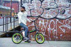 Big Cat ® Hampton Folding Electric bike in Brooklyn, New York. Lower East Side, Manhattan & Williamsburg Bridge in the background. http://www.bigcatelectric.bike/product/hampton-folder-led/?v=7516fd43adaa