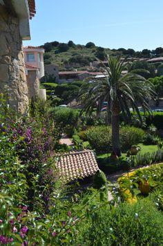 So meine Hübschen… kommen wir nun endlich zu dem schon lange im Voraus angekündigten Reisebericht über meinen Sardinien-Urlaub. Leider ist mein Bericht so lange geworden, dass ich beschlossen habe, ih
