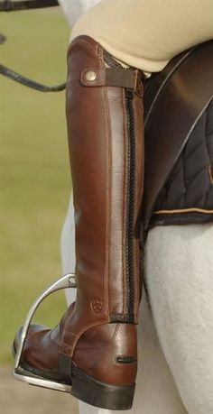 Currently riding with leather half chaps and pa… Currently riding with leather half chaps and paddock boots. - Art Of Equitation Horse Riding Clothes, Riding Hats, Riding Helmets, Horse Riding Boots, Cowgirl Boots, Western Boots, Equestrian Boots, Equestrian Outfits, Equestrian Style