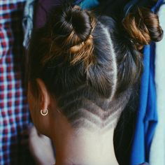 grunge hair, buns, undercut, girls undercut, shaved head, grunge, pictures, 90sgrunge, aesthetics,  sonjahoopz, style, tumblr, pastel, goth, soft, dark, decor, grunge photography, grunge style, space, vintage, accessories, texture, hippie, 90s, art
