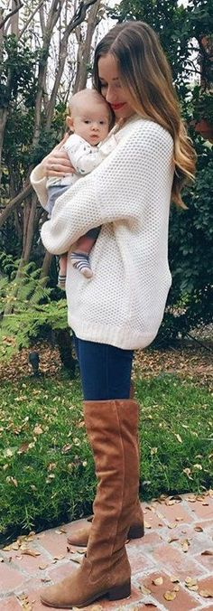 #winter #fashion / White Knit / Navy Skinny Jeans / Brown Boots
