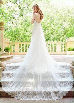Exquisite Tulle V-neck Neckline Sheath Wedding Dresses With Lace Appliques & Detachable Train