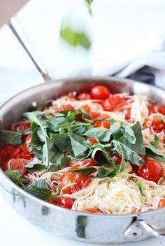 Twenty Minute Cherry Tomato Basil Pasta - Take advantage of the abundance of tomatoes at this time of the season. This cherry tomato and basil pasta comes together in under 20 minutes, making for a a delicious and super easy meal for your family. Angel Hair Pasta Recipes, Easy Pasta Recipes, Dinner Recipes, Pasta Ideas, Dinner Ideas, Vegetarian Recipes, Cooking Recipes, Healthy Recipes, Rock Recipes