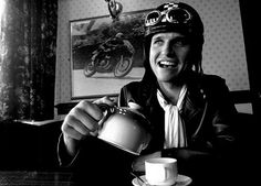 Piston Brew: Guy Martin eat the Classic TT Guy Martin, Motorcycle Posters, Gents Fashion, Racing Motorcycles, Mans World, Road Racing, My Guy, Fast Cars, Gorgeous Men