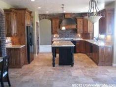 Kitchen [click for next photo]
