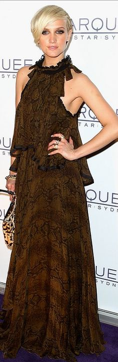 Ashlee Simpson in Roberto Cavalli...so wish Miley Cyrus would do her hair like this if she wants a short punky look. Not that I don't like really short hair. But on her facial structure, I would like to see this hairstyle on her so much more!