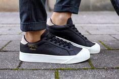 adidas originals everyn shoes in black