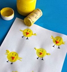 Wine cork stamp chicks - fun Easter kids craft ieda // Csibék parafadugó nyomdával - húsvéti ötlet gyerekeknek // Mindy - craft tutorial collection // #crafts #DIY #craftTutorial #tutorial #easter #easterCrafts #DIYEaster