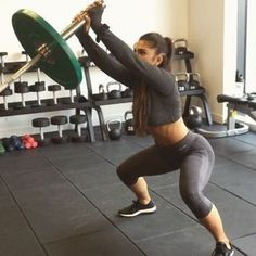 "Stefanie Williams en Instagram: ""#traintuesday Put in that work full body workout, you'll be surprised how much this workout hits your core give it a go. I used a…"""