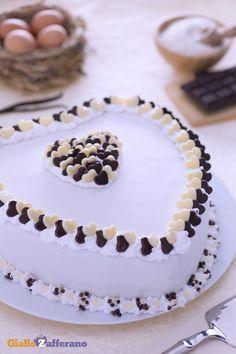Per dichiarare il proprio amore a qualcuno ci sono così tanti modi: una lettera, una sorpresa speciale, una cena romantica e una torta a cuore (heart cake)! San Valentino. Ricetta di Giallo Zafferano