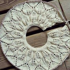 Diy Crafts - This Pin was discovered by HUZ Bind Off Knitting, Knitting For Kids, Crochet For Kids, Diy Crochet, Knitting Stitches, Free Knitting, Baby Knitting Patterns, Baby Patterns, Crochet Patterns