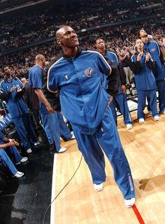 Basketball To Buy Nba Pictures, Basketball Pictures, Michael Jordan Basketball, Jordan 23, Michael Jordan Washington Wizards, Chigago Bulls, Michael Jordan Photos, Jeffrey Jordan, Jordan Bulls