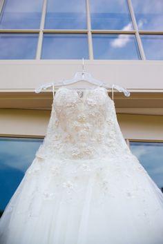 Lazaro Lazaro 3152 Size 2 PreOwned Wedding Dress   Still White